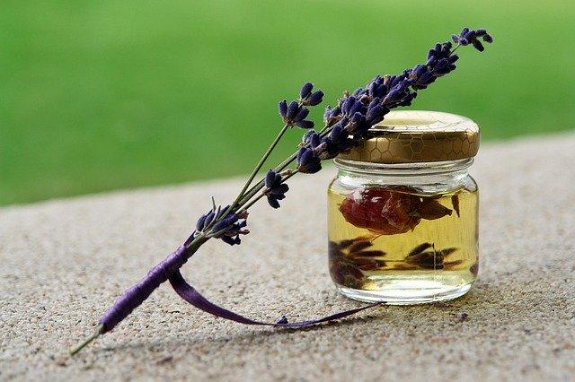 preparation huiles essentielles